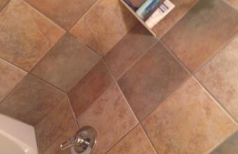 Bath tube / Shower