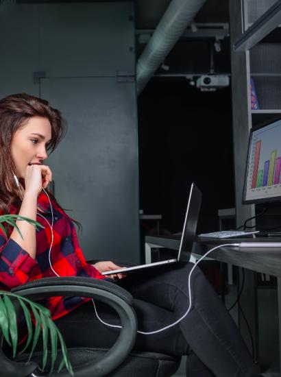 woman working in digital marketing job